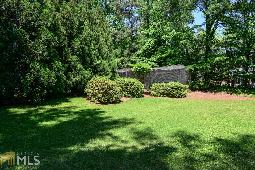 Additional photo for property listing at 3824 Land O Lakes 3824 Land O Lakes Atlanta, Georgia,30342 Hoa Kỳ